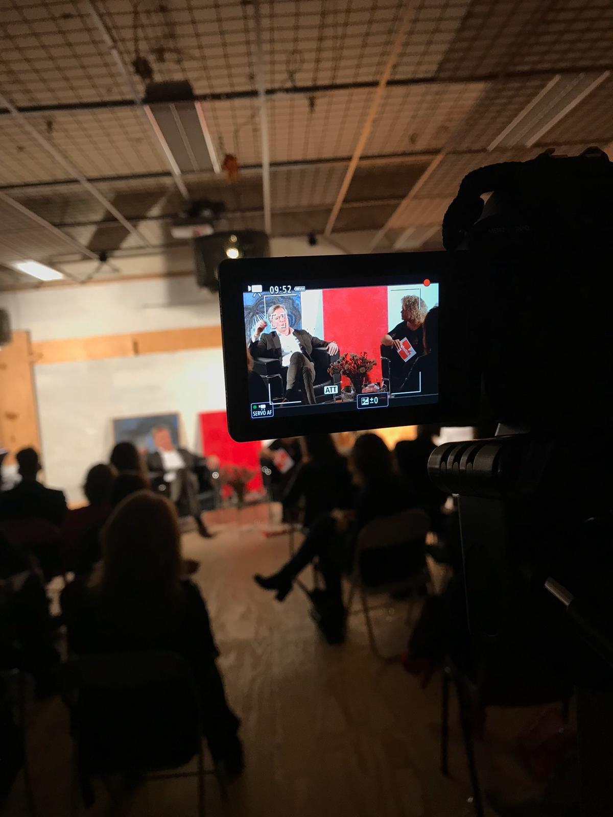Talkshow met Lucinda Dougals