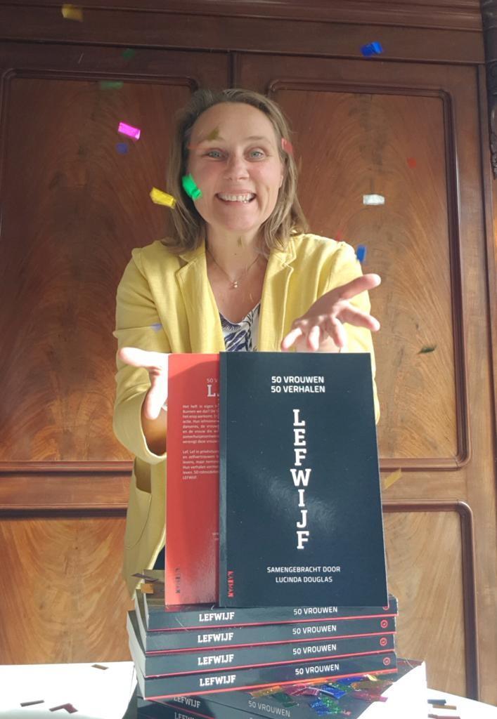 Auteur Amber Hackmann viert haar succes met LEFWIJF.