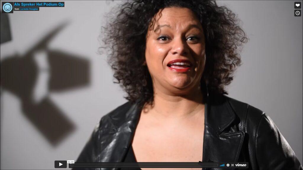 Als Spreker Het Podium Op met Lucinda Douglas